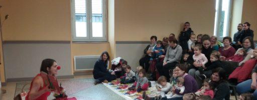 Spectacle de Noël et formation au RAM à Pontgibaud