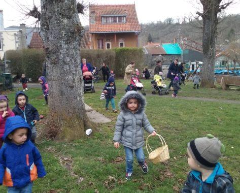Chasse aux œufs pour le Relais d'Assistantes Maternelles à Pontgibaud