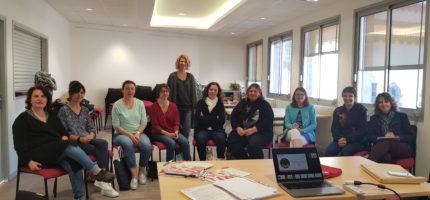 Formation à la langue des signes pour les assistantes maternelles du territoire